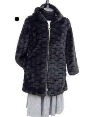 Cappotto pelliccia con cappuccio colore nero