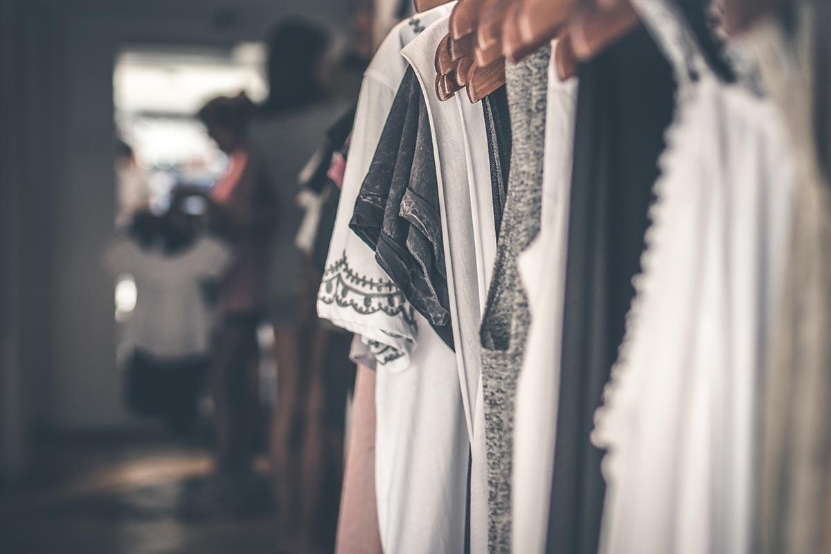 Ingrosso abbigliamento donna di tendenza